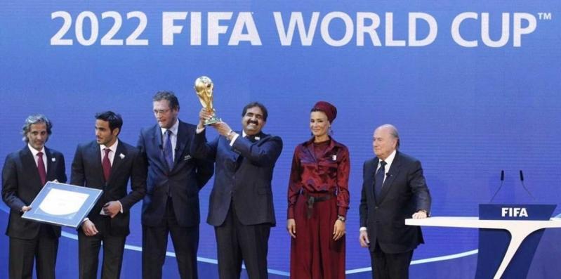 قطر تُغري الجماهير بالخمور !