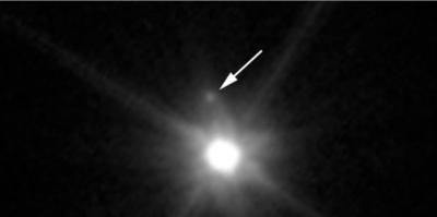 قمر خجول 0