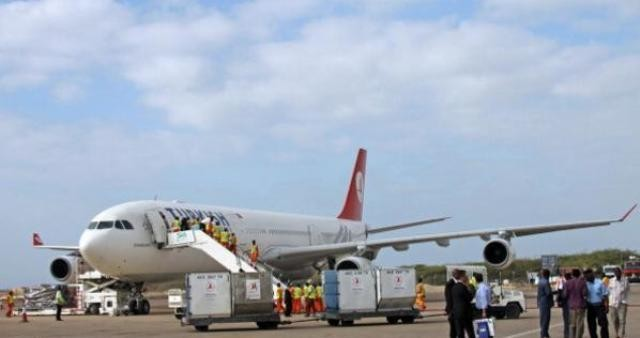 قوات-موالية-لهادي-تستعيد-مطار-عدن