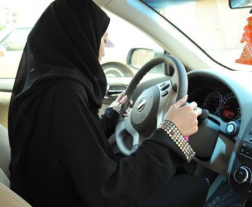 نصيحة مهمة للنساء قبل قيادتهن للمركبات