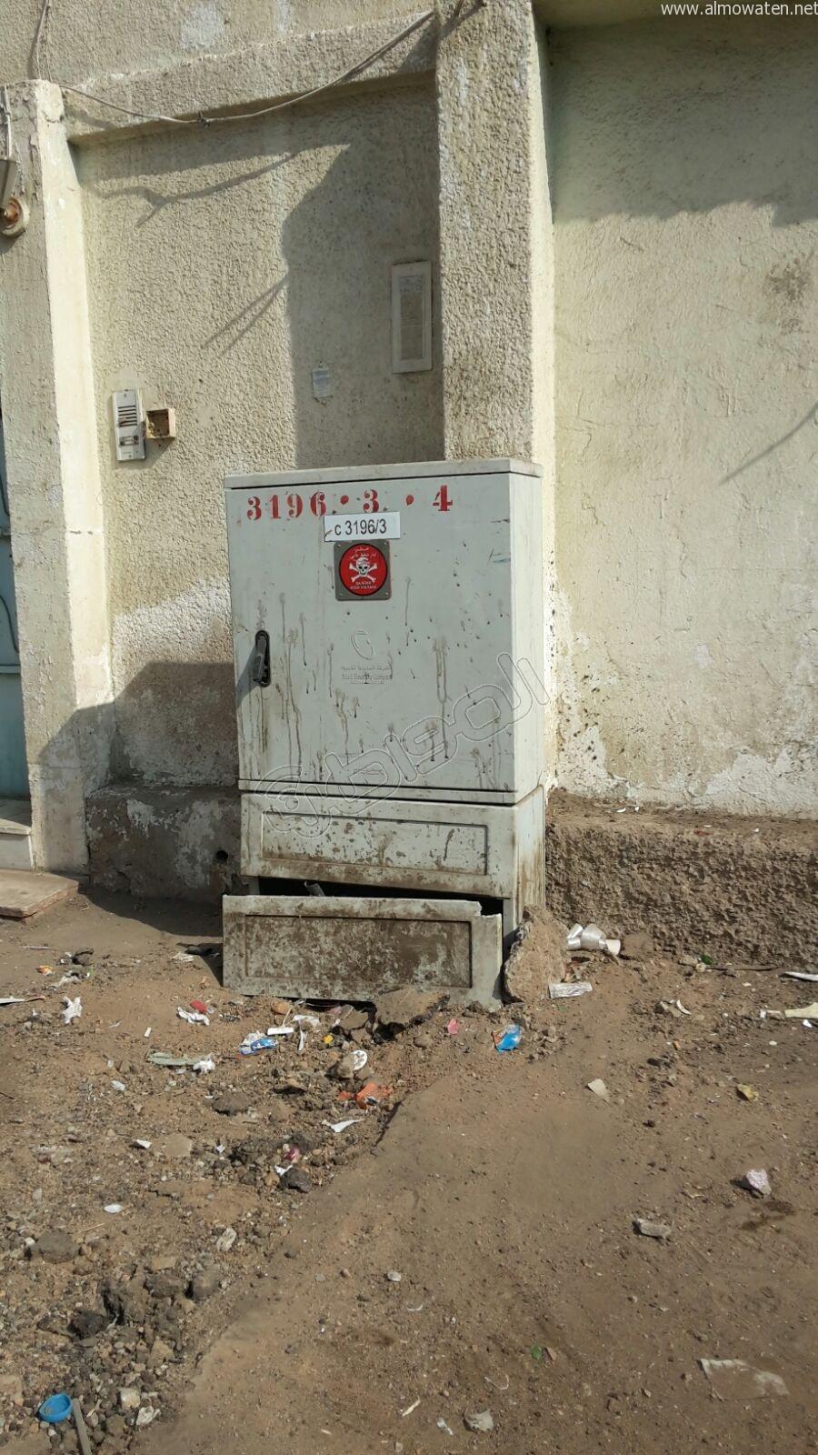 """تفاعلاً مع """"المواطن"""".. كهرباء #جدة تُصلح الكابل المكشوف بحي بني مالك - المواطن"""