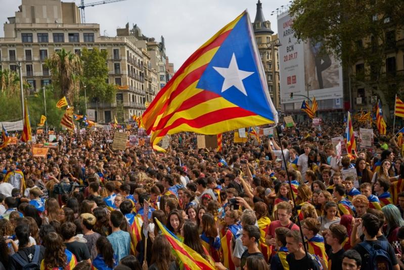 أوروبا تخذل إسبانيا في مواجهتها لاستفتاء كتالونيا لتقرير المصير