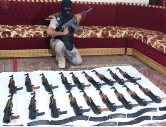 كلاشنكوف - سلاح - اسلحة - حرس الحدود
