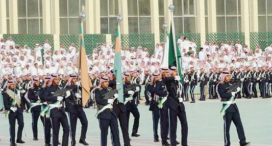 كلية الملك خالد