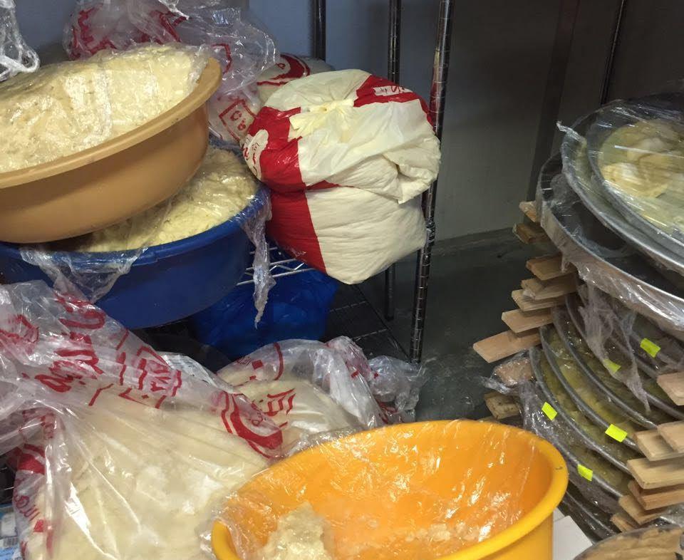 كميات كبيرة من الأطعمة الغير صالحة في جولة لبلدية بلجرشي (6)