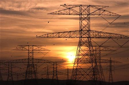 أبوظبي تتطلع لتلقي عروض مشروع للكهرباء بنهاية العام
