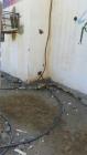 بالفيديو.. الكيابل الكهربائية العشوائية تتربص بطلاب مدرسة بالليث