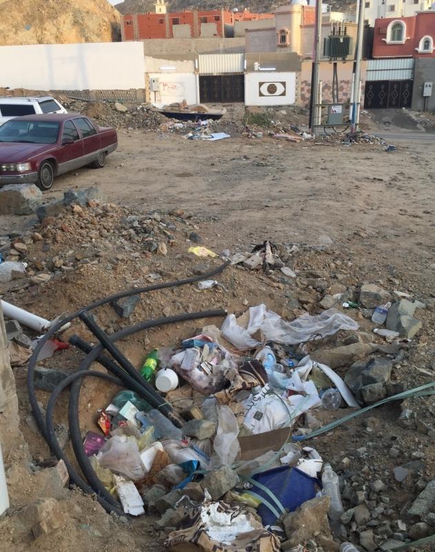 كيبل كهربائي مشكوف بحي كيلو14 شمال جدة (1)