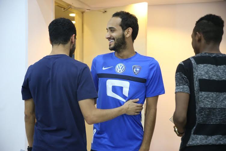 لاعبو الهلال يصلون النادي (1)