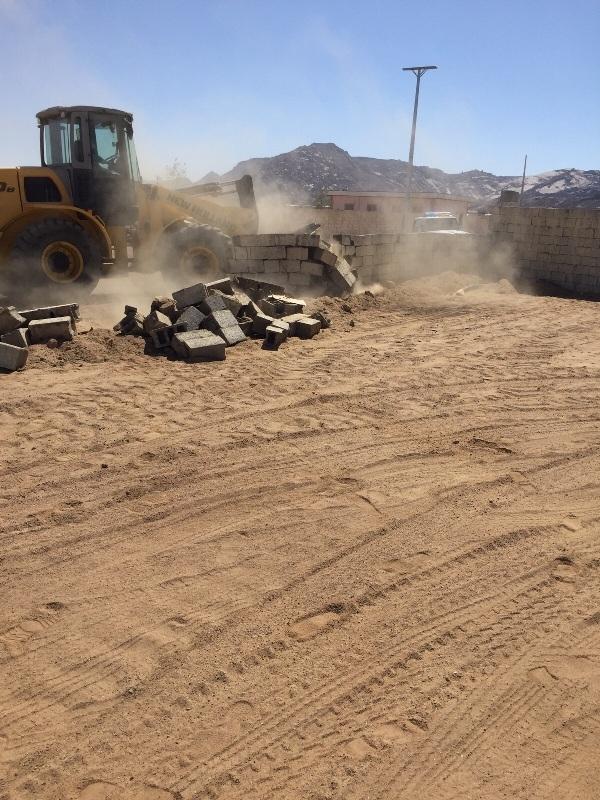 لجنة تعديات #نجران تستعيد 300 ألف متر مربع بمركز #رجلاء (1)
