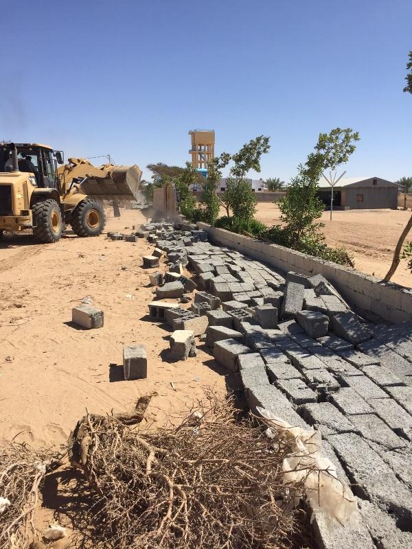 لجنة تعديات #نجران تستعيد 300 ألف متر مربع بمركز #رجلاء (4)