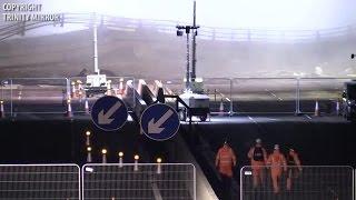 لحظة تفجير جسر مشاة بالديناميت