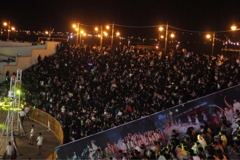 لزوار يتخطون حاجز ربع المليون في 25 يوما 21