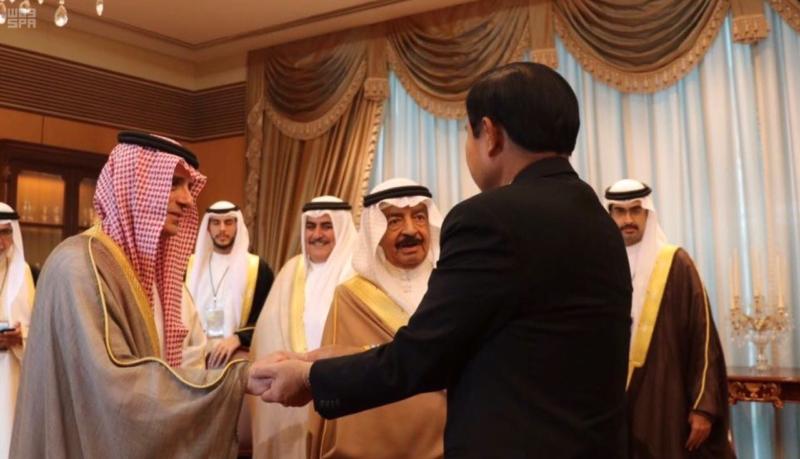 لقاء ثلاثي بين الجبير ورئيسي وزراء البحرين وتايلاند2