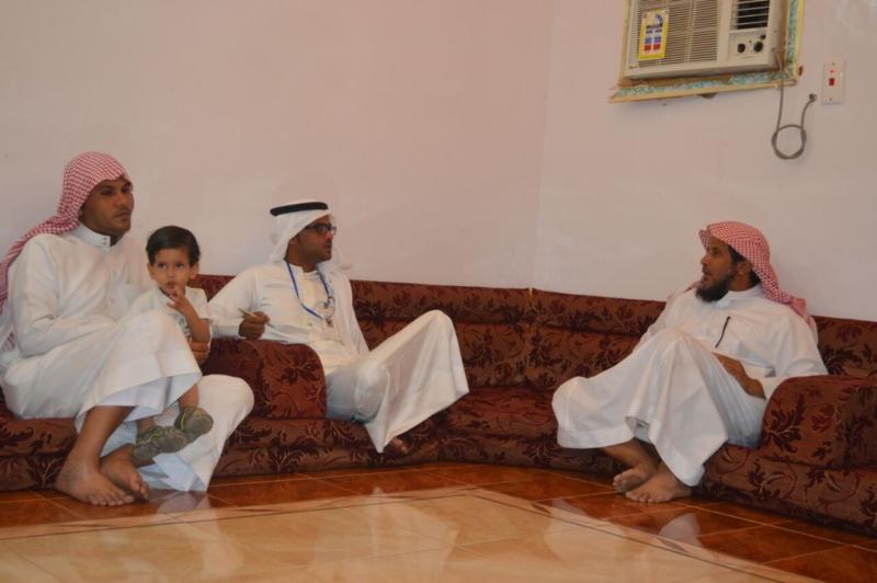 لقاء ذوي الشهيد علي بن عبدالخالق عالي محمد الرزقي القرني (2)