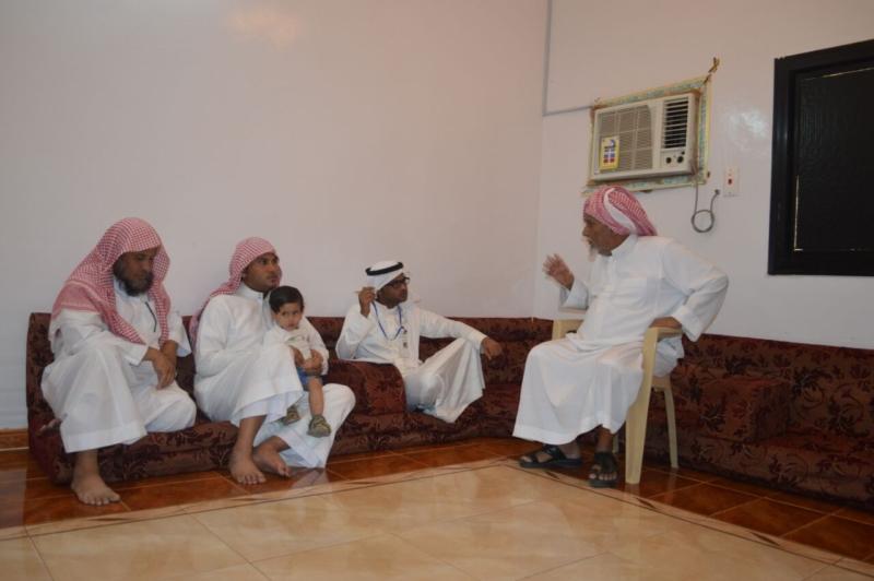 لقاء ذوي الشهيد علي بن عبدالخالق عالي محمد الرزقي القرني (3)