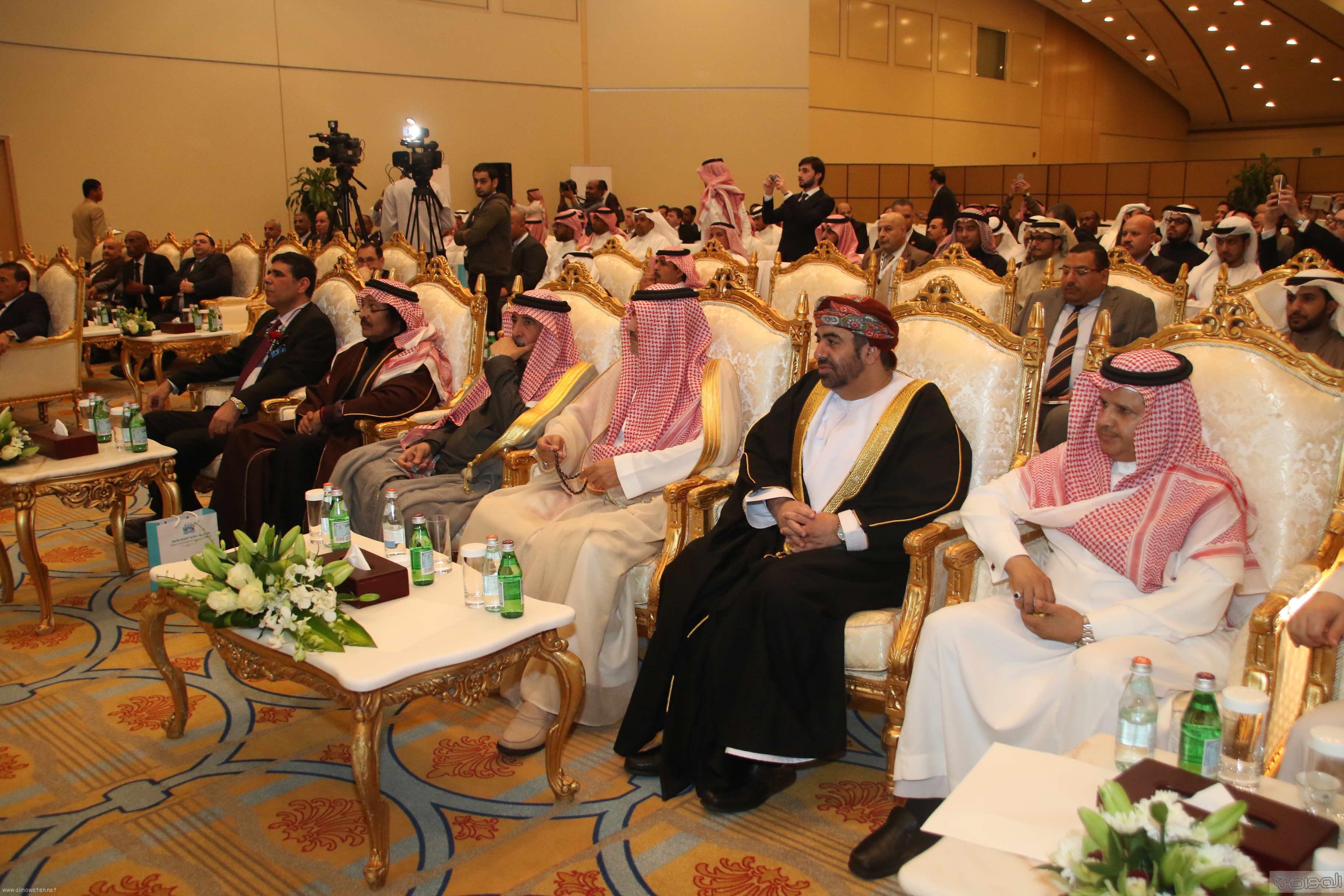 لقطات لتدشين الامير سيف الاسلام ملتقى رواد صناعة السياحة والسفر (4)