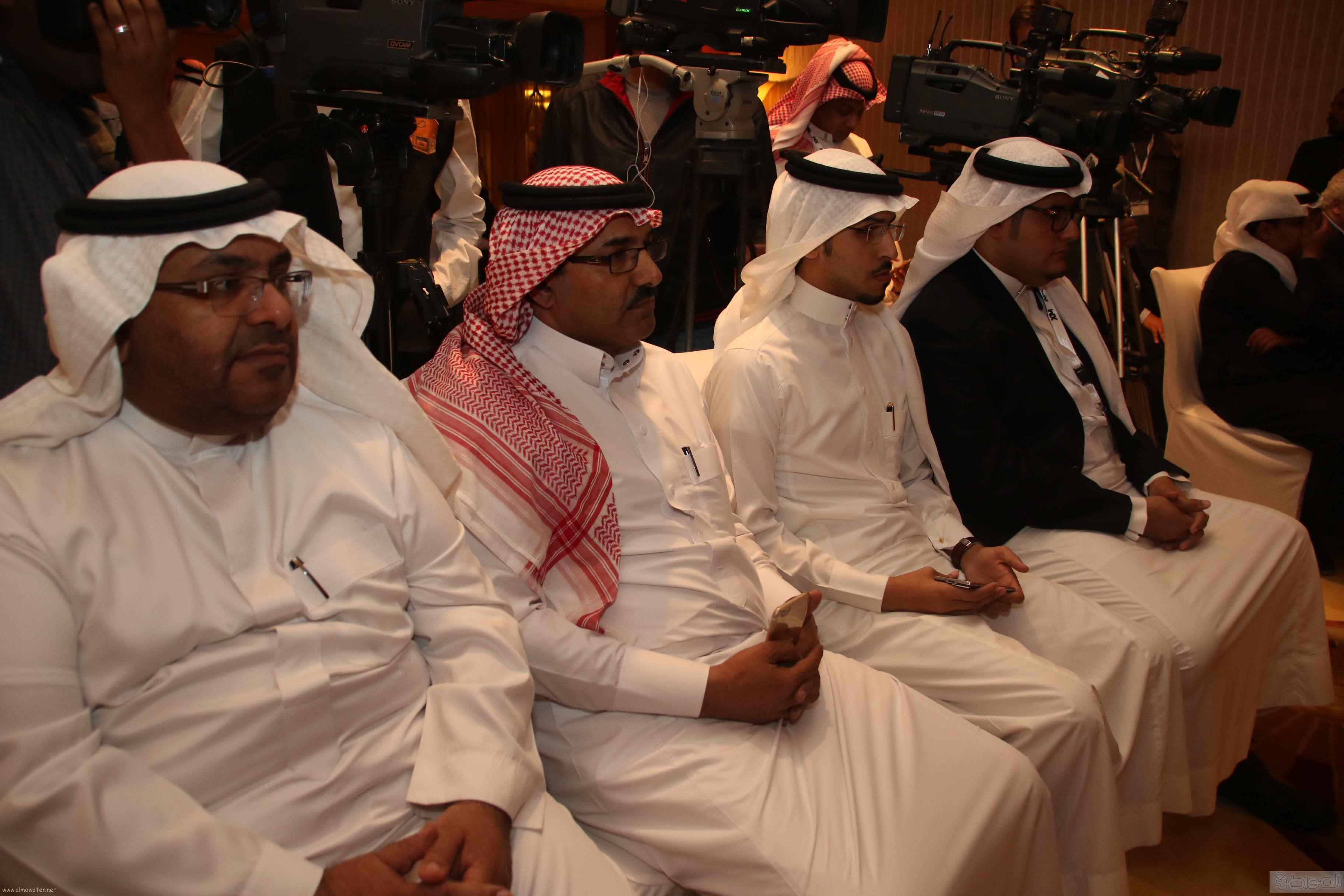 لقطات لتدشين الامير سيف الاسلام ملتقى رواد صناعة السياحة والسفر (8)