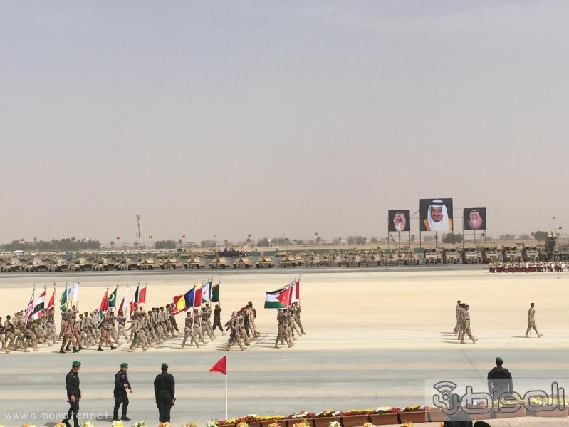 لقطات من العرض العسكري لقوات #رعد_الشمال أمام سلمان الحزم 8