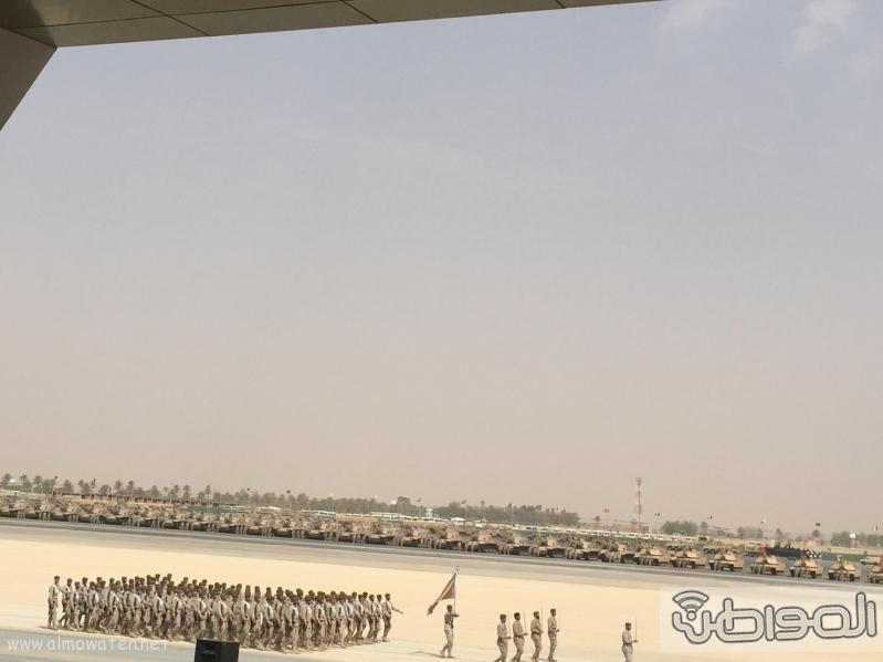 لقطات من العرض العسكري لقوات #رعد_الشمال أمام سلمان الحزم 9