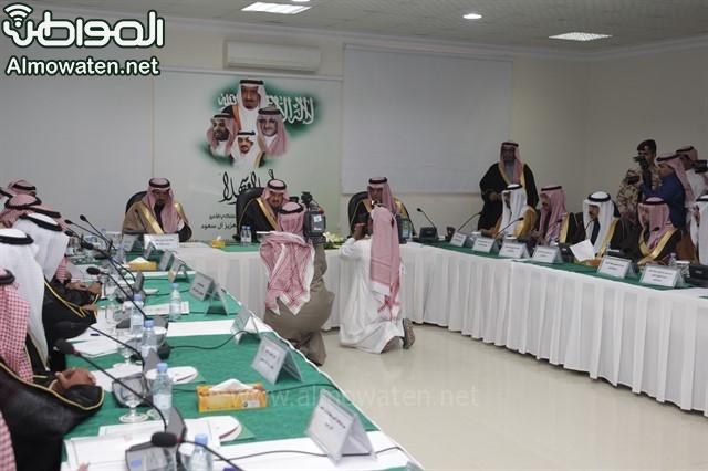 لقطات من زيارة أمير الرياض لمرات (4)_640x426