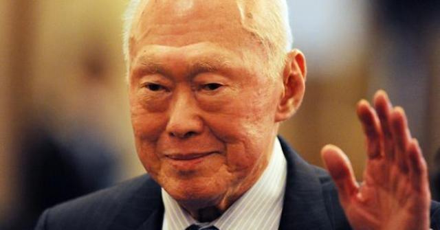 لي-كوان يو- قائد-نهضة-سنغافورة