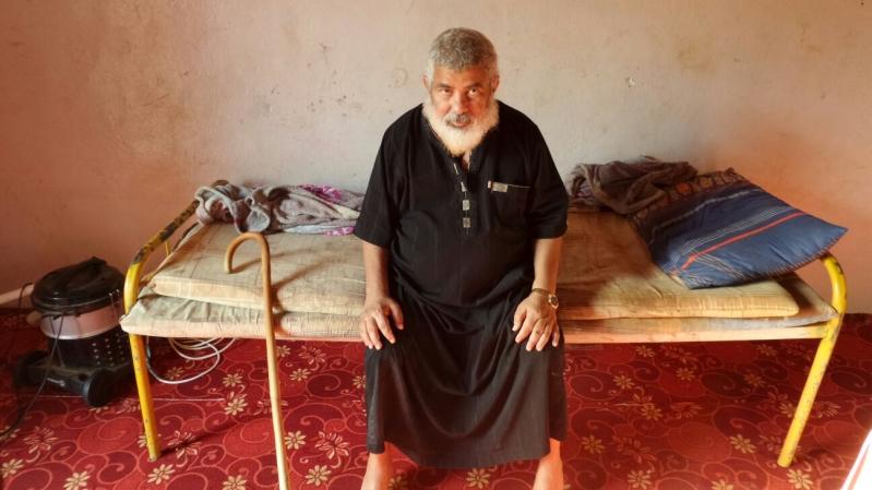 مأساة العم حسن مسن ومعاق يعول اسرة كبيرة بمحافظة الدرب بجازان (4)