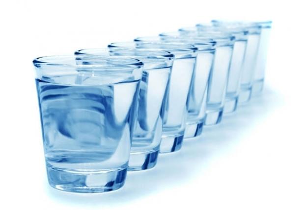 6-8 أكواب مياه للحاج يومياً حتى لا يصاب بالجفاف - المواطن