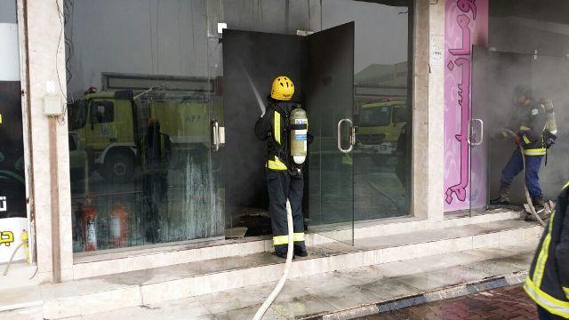 التماس كهربائي وراء حريق محل ملابس بنجران - المواطن
