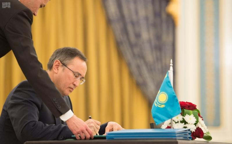 مباحثات الملك ورئيس كازاخستان