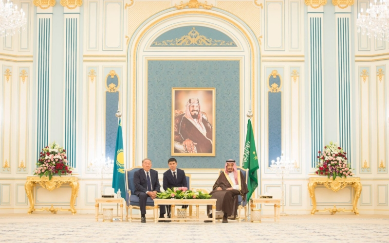 مباحثات الملك ورئيس كازاخستان11