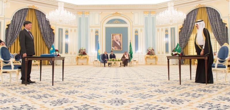 مباحثات الملك ورئيس كازاخستان12