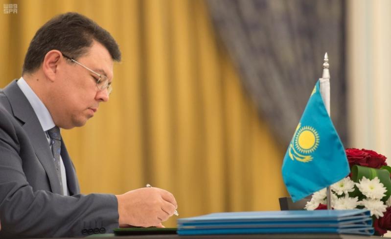 مباحثات الملك ورئيس كازاخستان2