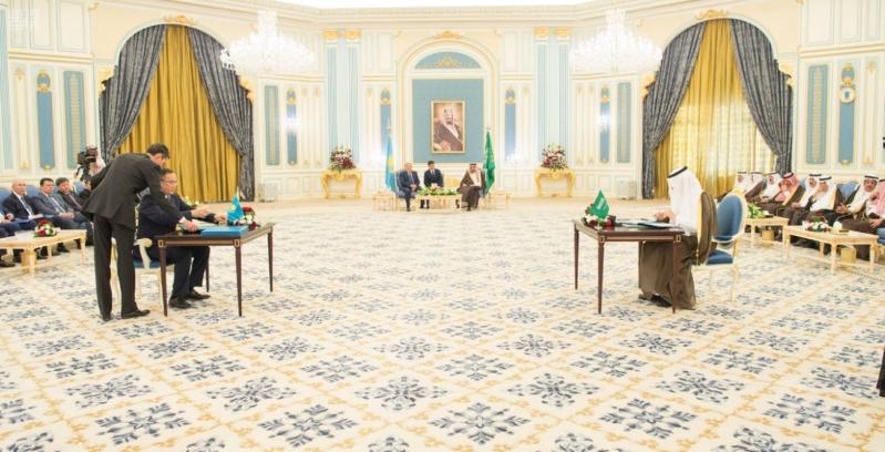 مباحثات الملك ورئيس كازاخستان8