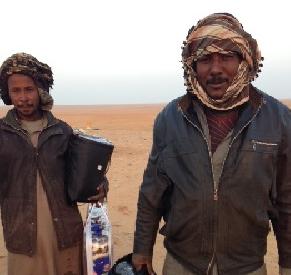 مبرة السلام بـ #العويقيلة توزع كسوة الشتاء على رعاة الأغنام