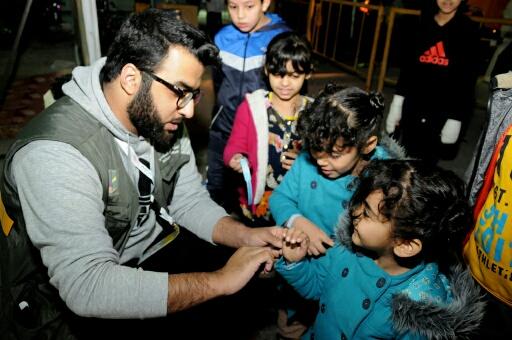 متطوعون يستحوذون باعجاب زوار مهرجان عيش جوك بالخبر (1)