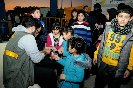 متطوعون يستحوذون باعجاب زوار مهرجان عيش جوك بالخبر (2)