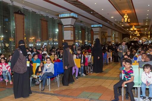 متطوعون يستحوذون باعجاب زوار مهرجان عيش جوك بالخبر (3)