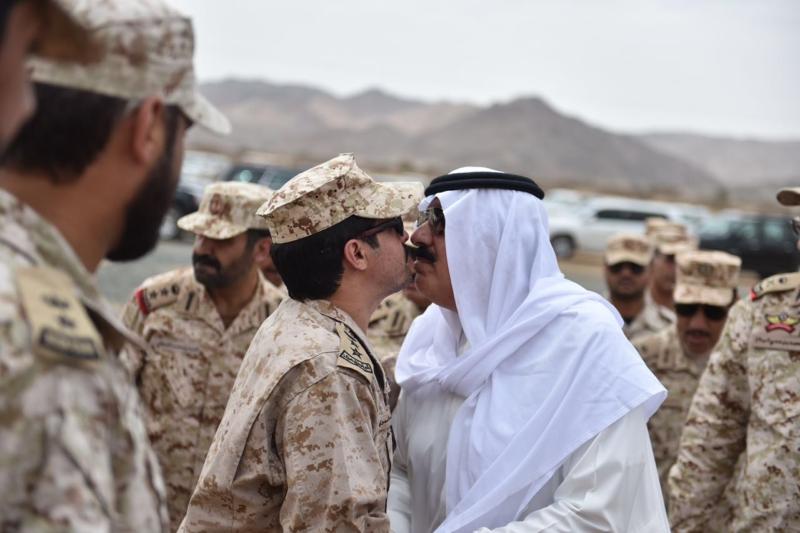 متعب بن عبدالله رجال الحرس يشاركوني في روحي ليش ما يشاركوني في مالي (1) 