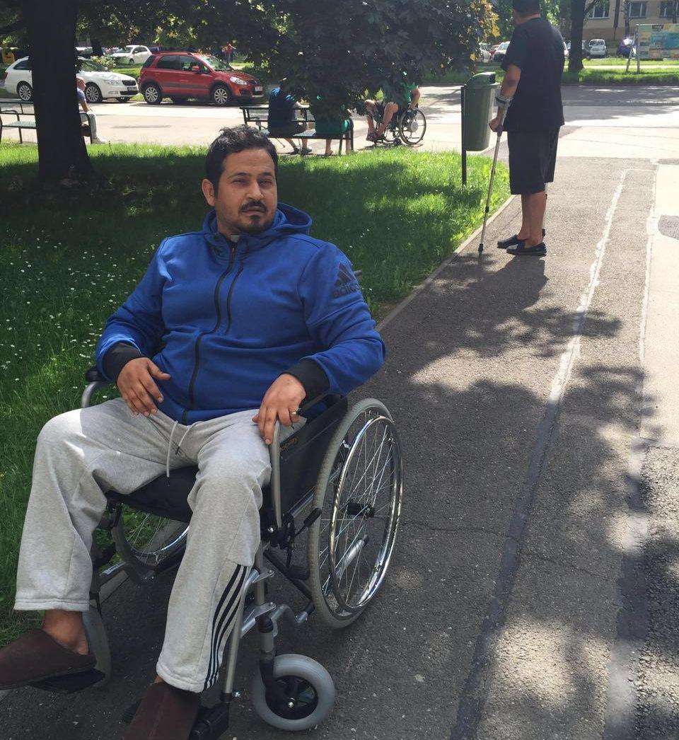 متعب بن عبدالله يتكفّل بعلاج المقدم العتيبي (1)