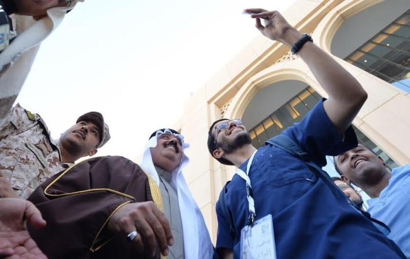 متعب بن عبدالله يفاجئ طلاب الصحية بحضور ختام فعاليات برنامج ثقافي 1