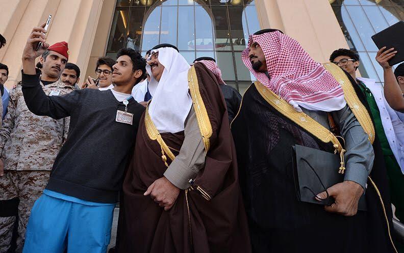 متعب بن عبدالله يفاجئ طلاب الصحية بحضور ختام فعاليات برنامج ثقافي 10
