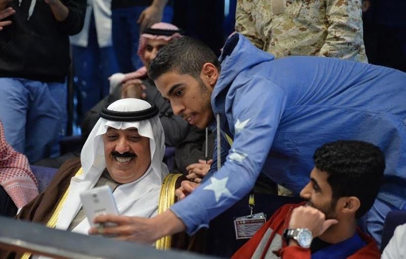 متعب بن عبدالله يفاجئ طلاب الصحية بحضور ختام فعاليات برنامج ثقافي 5
