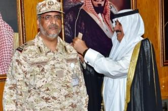 متعب بن عبدالله يُقلد اللواء عبدالهادي الشهري رتبته الجديدة - المواطن