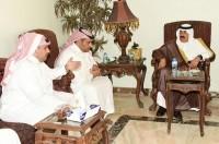 متعب بن عبدالله يعزّي في وفاة اللواء سلطان الحارثي