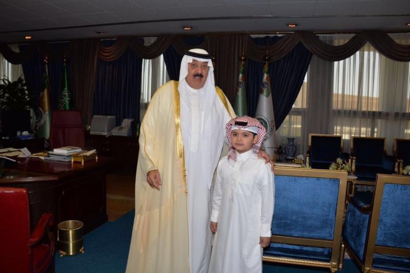 متعب بن عبد الله يحقق أمنية طفل رغب مقابلته (1)