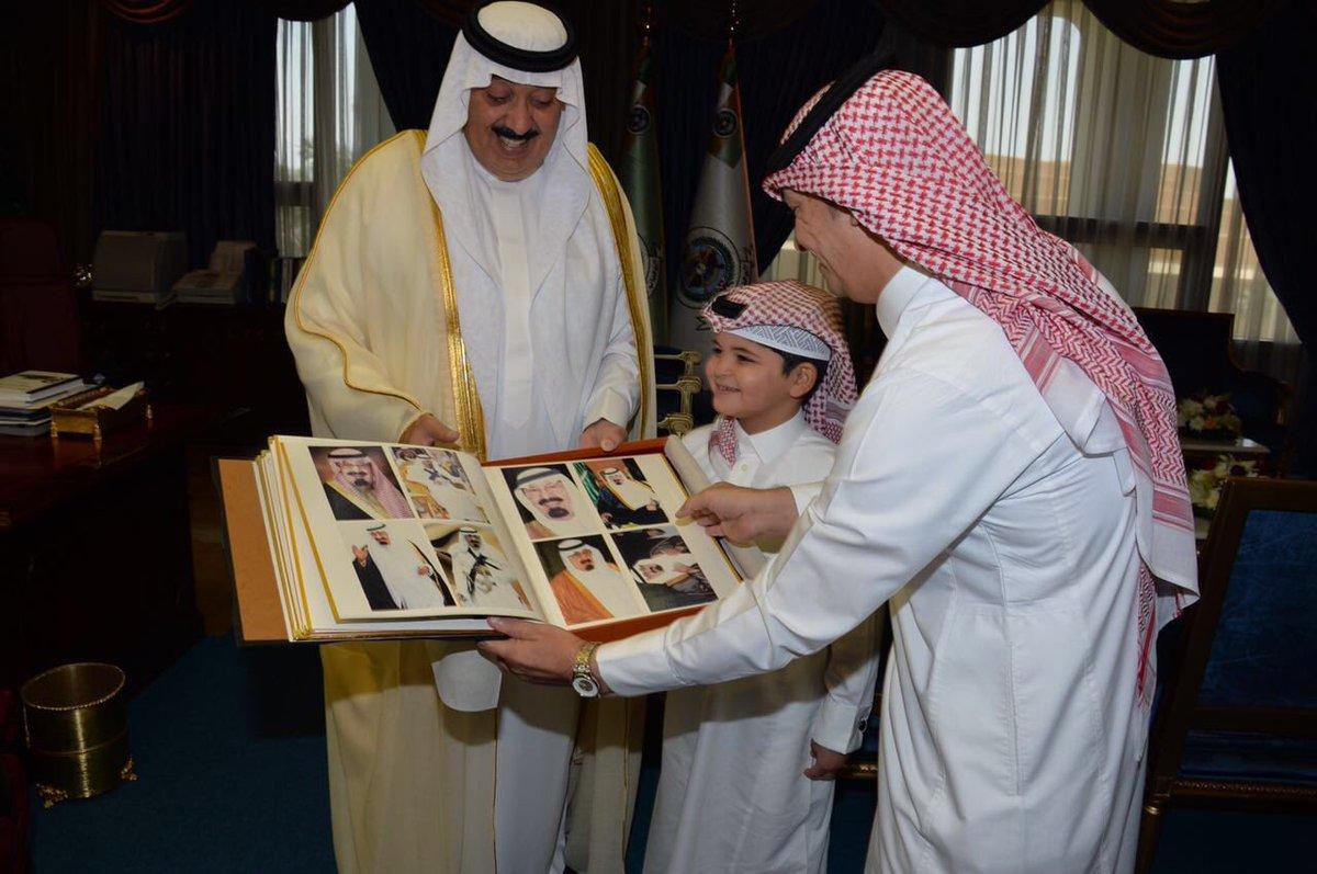 متعب بن عبد الله يحقق أمنية طفل رغب مقابلته (2)