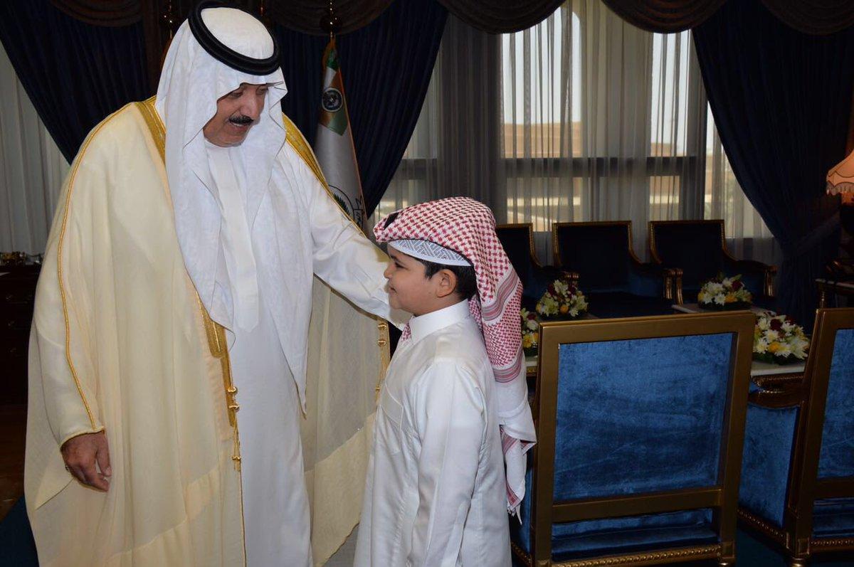 متعب بن عبد الله يحقق أمنية طفل رغب مقابلته (4)