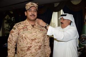 """وزير الحرس الوطني يقلّد """"العيسى"""" رتبة مقدم"""