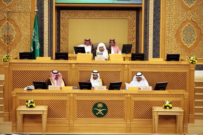 مجلس الشورى يطالب بوضع خطة لتحويل الطرق الرئيسة إلى سريعة